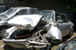 Evite adquirir un automóvil que fue pérdida total