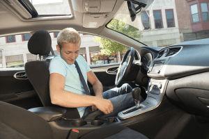 ¿En qué fijarse antes de comprar un auto usado?