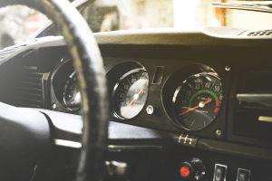 ¿En qué fijarse antes de comprar un auto usado? Cómo revisar el motor